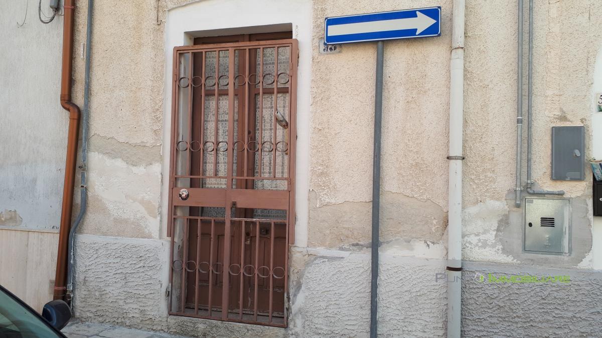 Casa Indipendente vendita BRINDISI (BR) - 3 LOCALI - 70 MQ