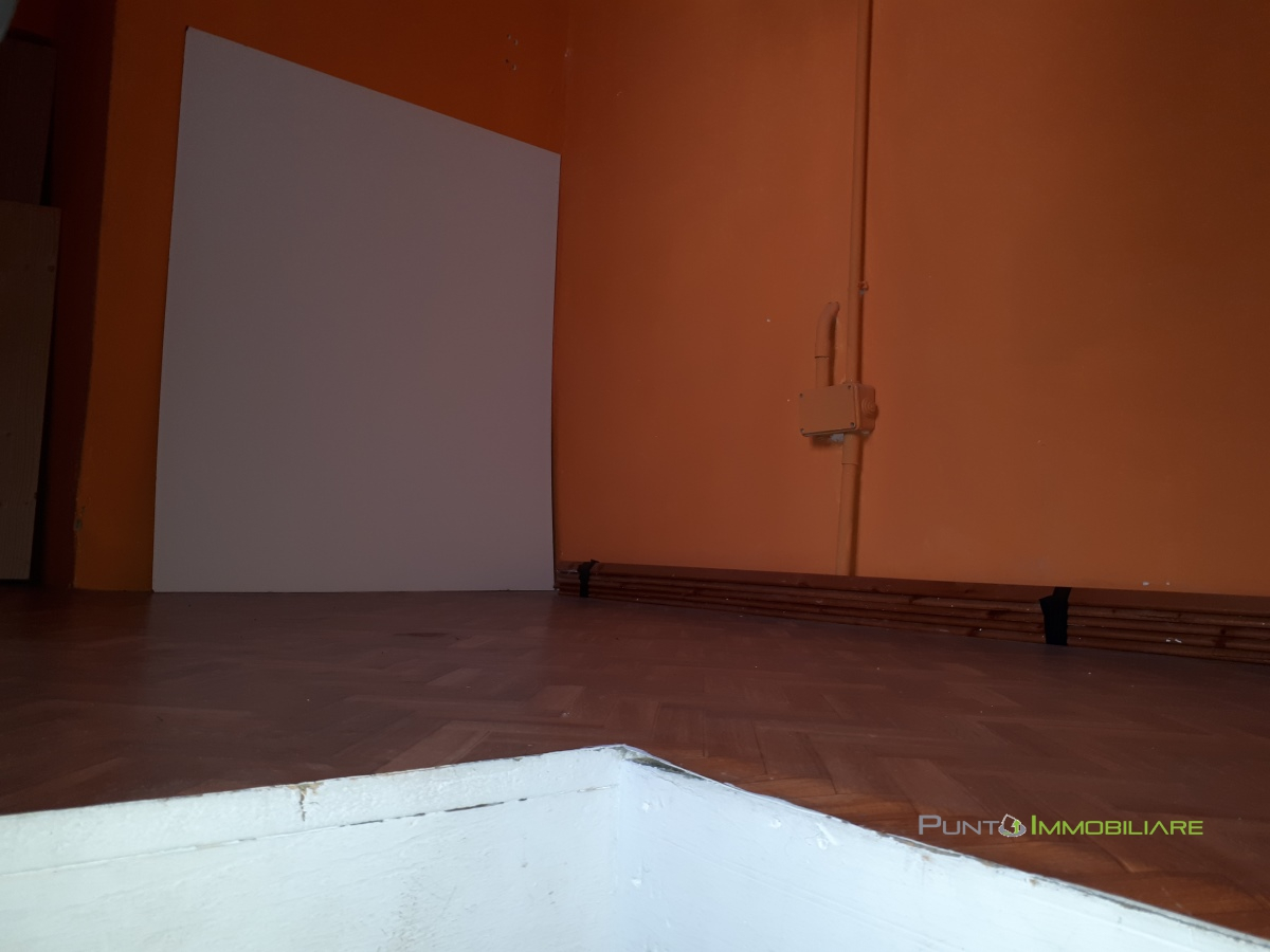Locale Commerciale Brindisi BR1098052