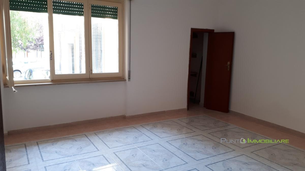 Appartamento vendita BRINDISI (BR) - 4 LOCALI - 120 MQ