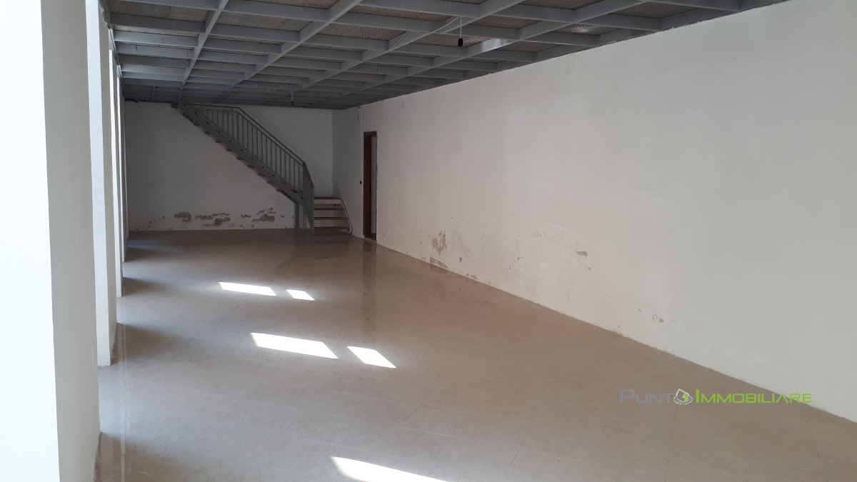 Locale Commerciale Brindisi BR1098040