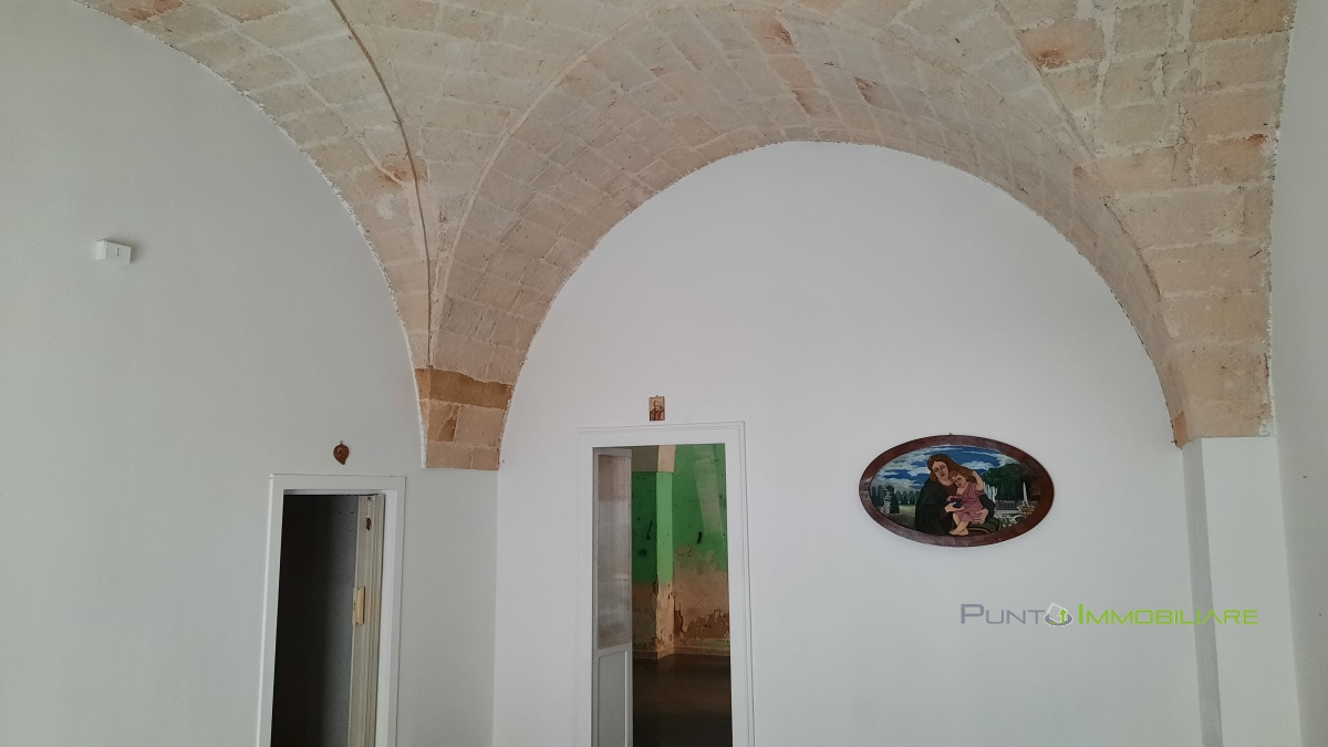 Locale Commerciale Brindisi BR1235392